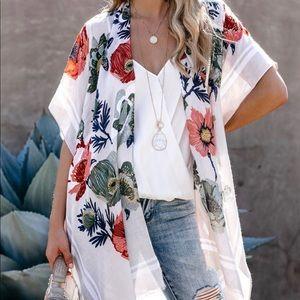 NWT VICI Floral Kimono
